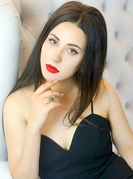 Anna Kiev 327020