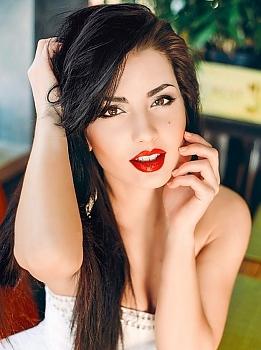 Anna Cherkassy 37671